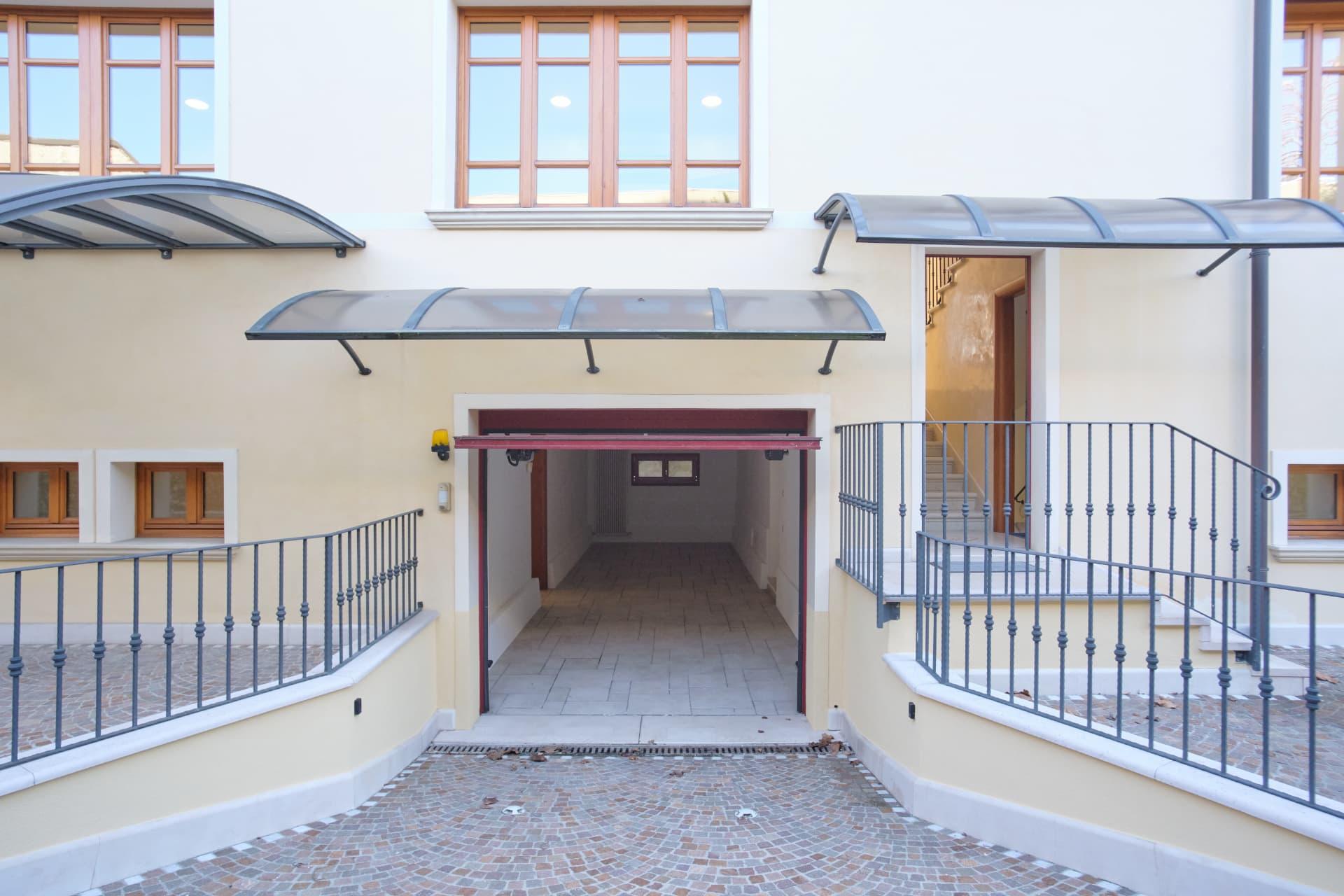 palazzo Padova garage